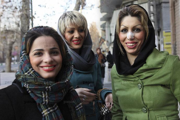 https://doculinks.files.wordpress.com/2011/07/iranian-dreams.jpg?w=812